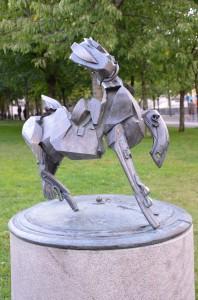 """Staty """"Fallen hjälte"""". Konstnär: Roland Haeberlein."""